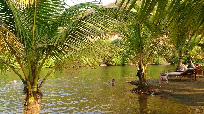 Sweet Lake opposite Kalacha beach, Arambol