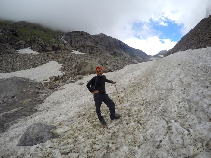 Hampta Pass Trek - Crossing glaciers
