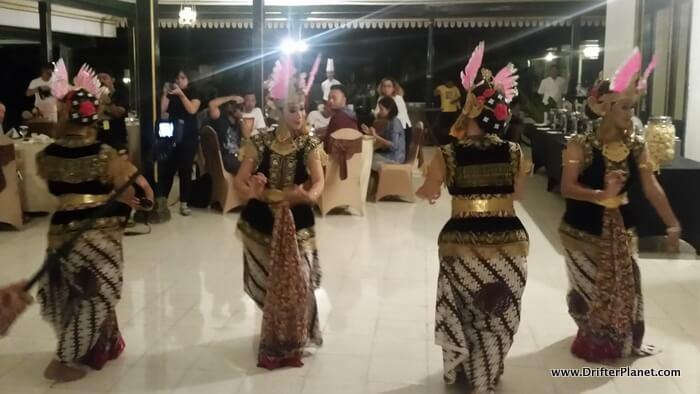 Tari kraton - Javanese dance in Yogyakarta - Drifter Planet