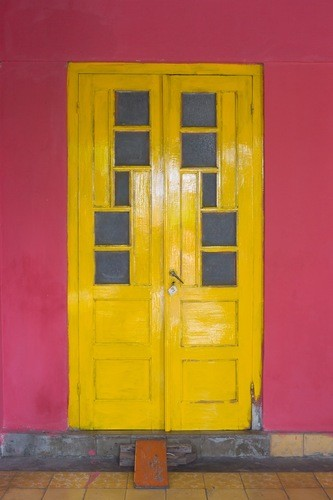The beautiful Doors of Kotagede, Yogyakarta - Photo by Jaejun Lee (JJ)