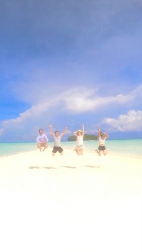 Najii, Naoko, Hikari and Gnta on Pasir Timbul beach, Raja Ampat