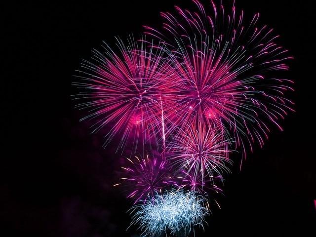 Enjoy midnight runs and Fireworks at New York City, USA