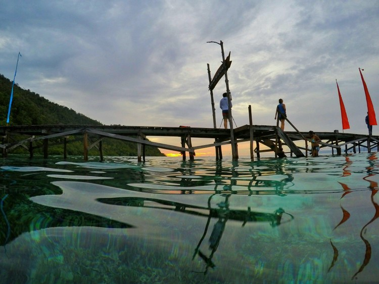 Entry Pier at Raja Ampat Die Lodge - Raja Ampat Travel Guide
