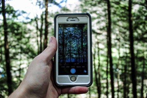 Waterproof phone case - 8 Useful Gadgets for Traveling
