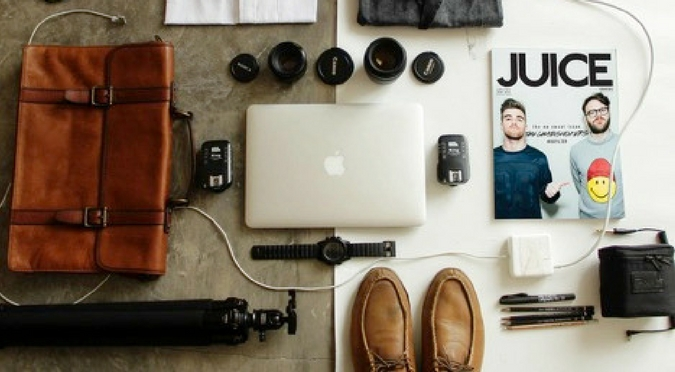 8 Useful Gadgets for Traveling